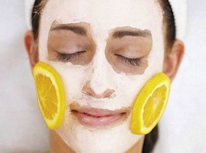 Maschera per il viso fai da te contro acne e brufoli