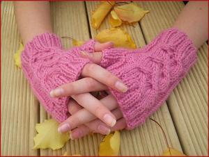 mani con guanti