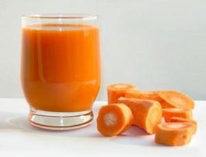 Centrifugato energetico di mele, carote e arance
