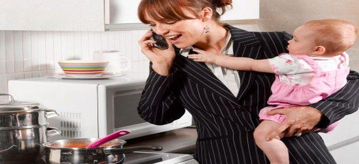 donna impegnata