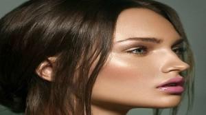 Illuminante viso come si usa e come sceglierlo