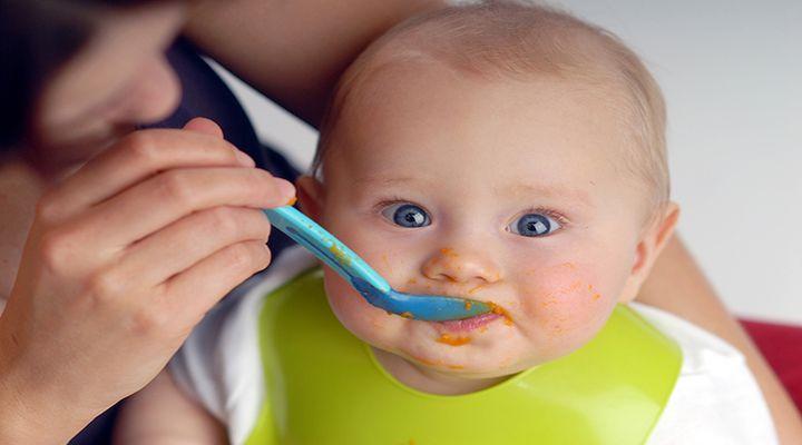 bimbo mangia pappa