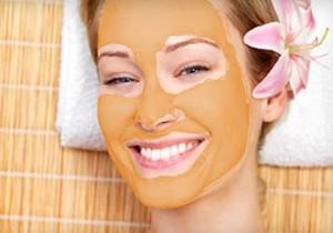 Maschere viso fai da te con olio di mandorle